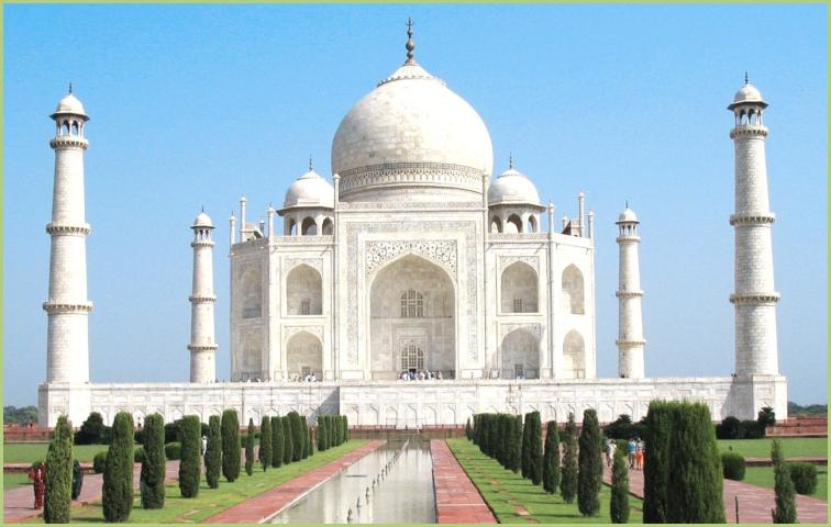 Le Taj Mahal tout de marbre blanc - Inde
