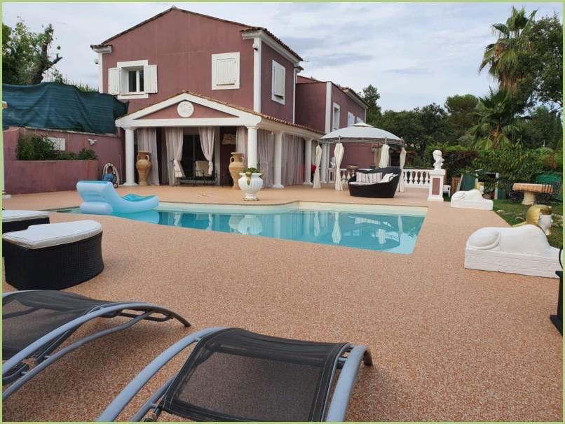 Le revêtement en granulat de marbre - Terrasse / Plage de piscine - Brescia pernice